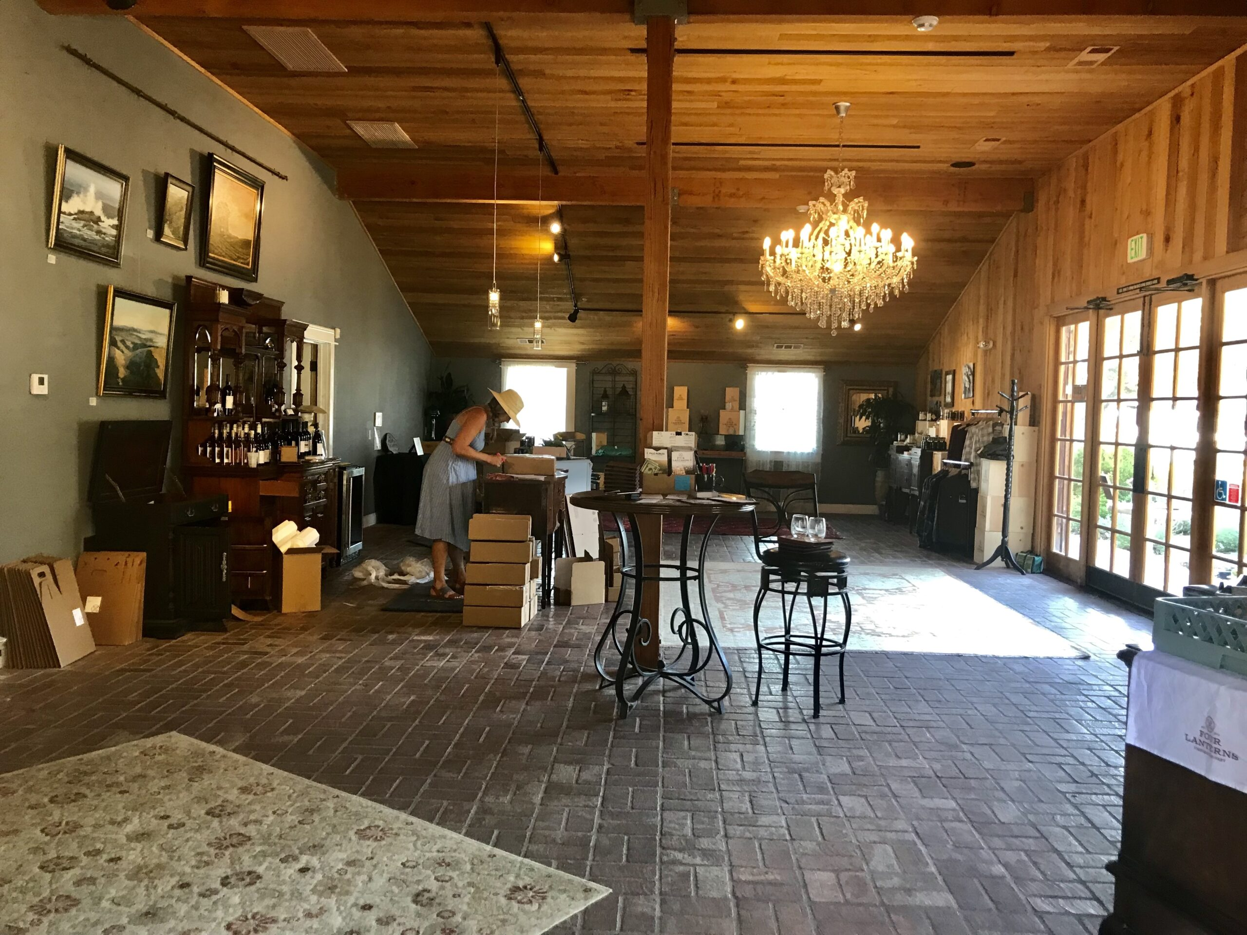 HIghtlights and Wine Tasting Full-Day Tour